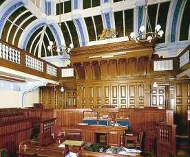 lewes_crown_court_interior_woodwork